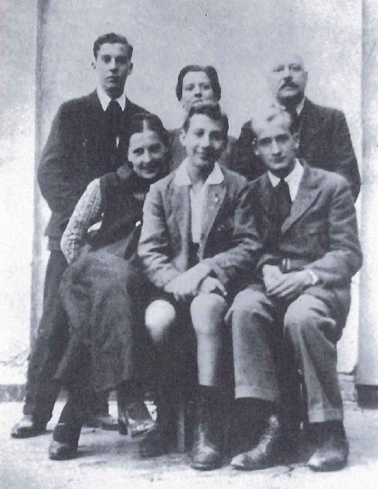 Anteo Zamboni con la famiglia