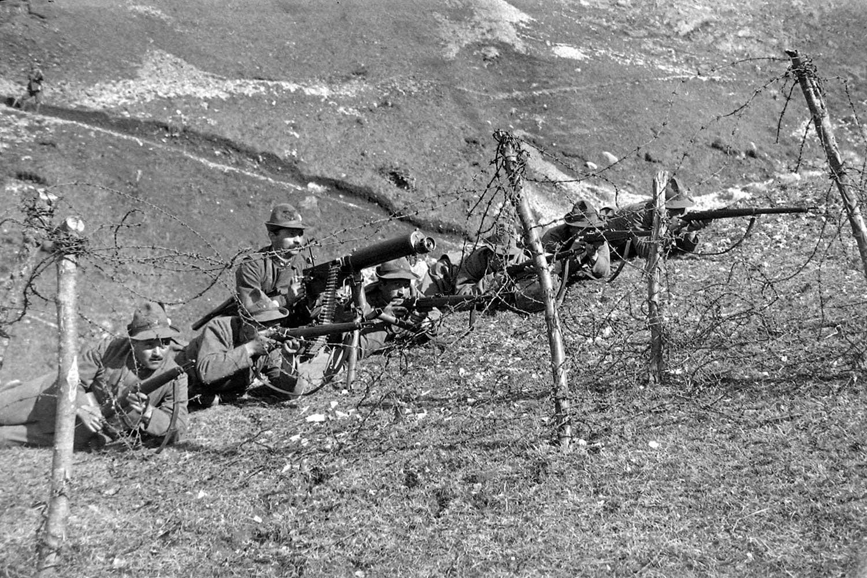 Le carenze dell esercito italiano allo scoppio della prima for 1 1 2 piani di cottage storia