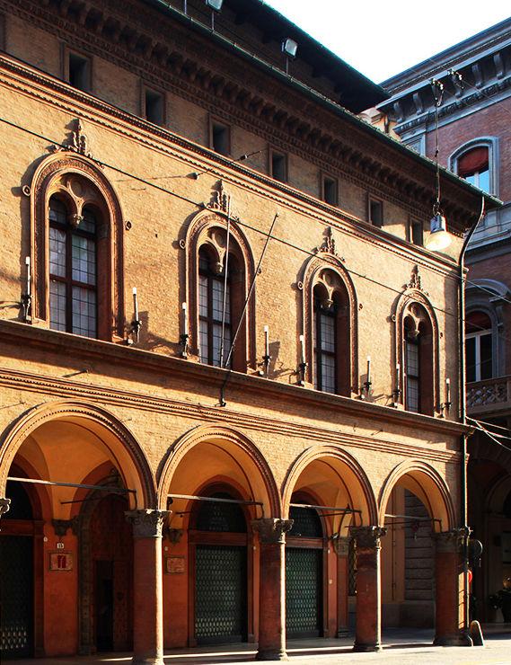 Casa saraceni storia e memoria di bologna - Cornicione casa ...